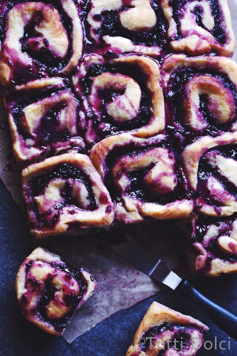 Blackberry-Almond Rolls | Tutti Dolci