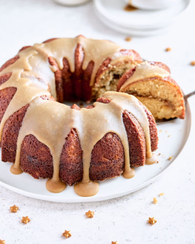 Apple Praline Bundt Cake