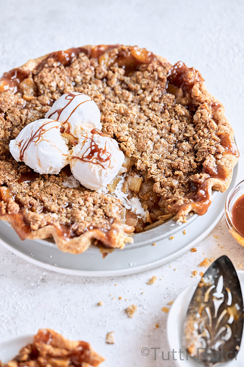 Caramel Pear Crumble Pie